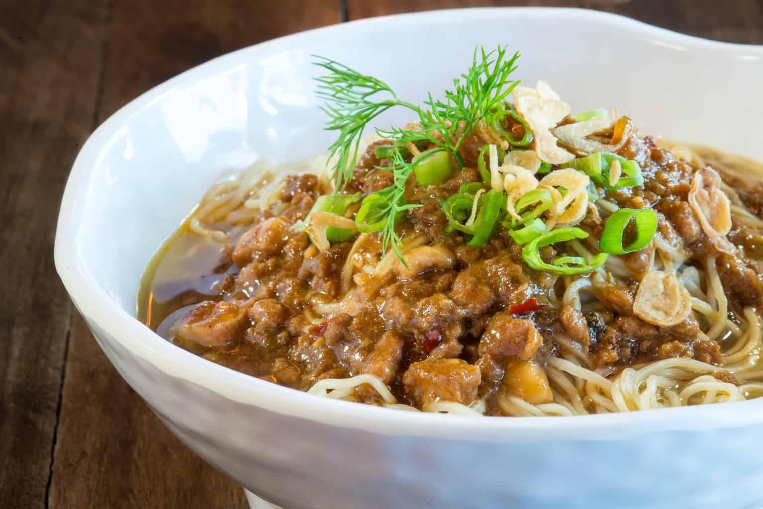 Szechuan noodle in chili soup