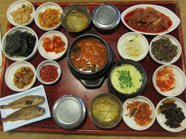 spicy stir-fried pork and grilled mackerel hanjeongsik
