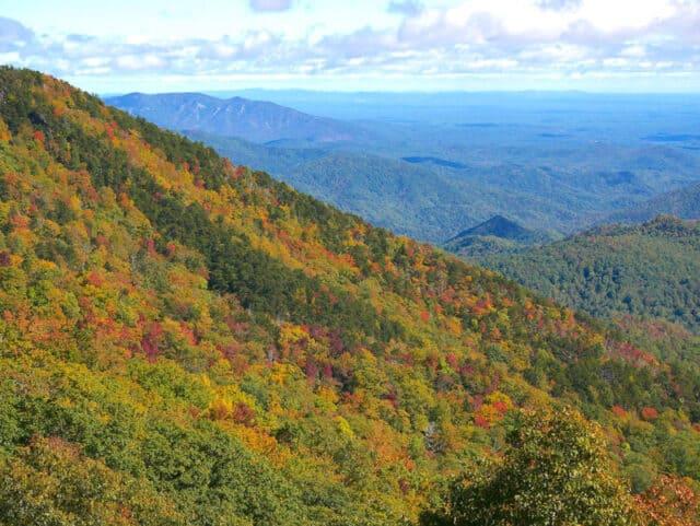 Blue-Ridge-Mountains-in-Asheville-NC
