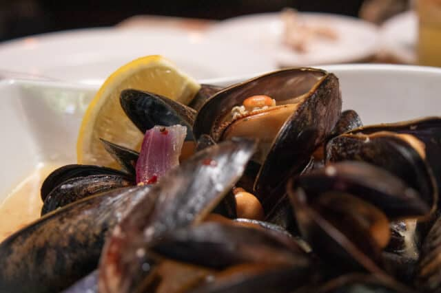 mussels from the cabin, restaurant in crescent beach, surrey, bc